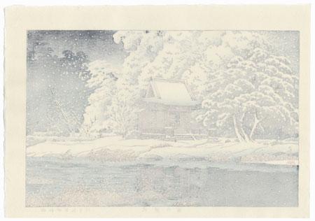 Snow at Inokashira Benten Shrine Precinct (Shato no yuki), 1929 by Hasui (1883 - 1957)